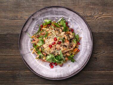 Салат с филе цыпленка и белой фасолью